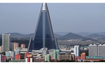 """Khách sạn """"kỳ lạ"""" lớn nhất của Triều Tiên"""